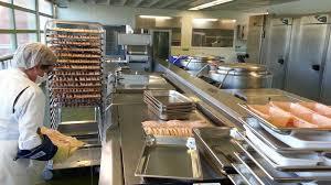 cuisine centrale elior immersion dans la cuisine centrale de périgueux comment sont