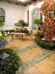 Pavers In Backyard by Best 25 Paving Stone Patio Ideas On Pinterest Paver Stone Patio