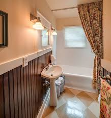 country floor country wainscoting design ideas pictures zillow digs zillow