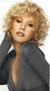 even hair cuts vs textured hair cuts curly short hair i wish my hair could do this lockiges haar