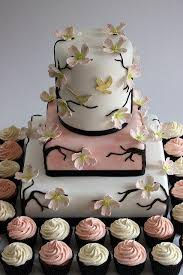 wedding cake and cupcakes wedding cakes cake and cupcakes 2069479 weddbook