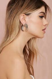 top earing your guide to 2015 s top earring trends