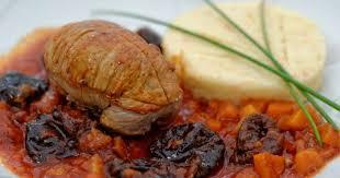 cuisiner paupiettes de veau paupiettes de veau aux pruneaux et aux noix recette par ma