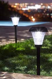 Solar Yard Lights Not Working - 5 frequently asked questions about outdoor solar lighting