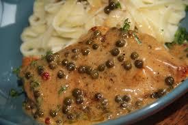 cuisiner des escalopes de poulet recette d escalopes de poulet au poivre vert et tagliatelles
