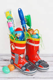 filled easter baskets boot easter basket idea i heart arts n crafts