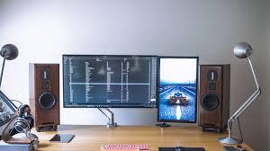 Studio Monitor Desk by Home Office Abduzeedo