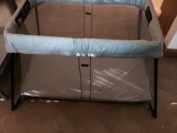 Mini Crib Vs Bassinet by Review Baby Bjorn Travel Crib Light Vs Graco Pack U0027n Play U2013 Peek