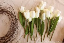 Tulip Wreath Tulip Wreath Tutorial And A Spring Mantel Confessions Of A