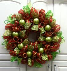 christmas mesh wreaths best 25 deco mesh christmas wreaths diy ideas on deco deco