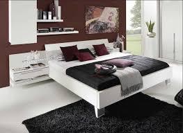 schlafzimmer bett bett weiß das sieht elegante im schlafzimmer dekoration