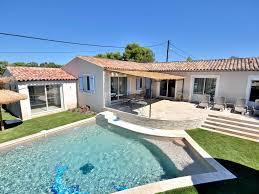 chambre piscine frejus maison 4 chambres avec piscine chauffee et spa accès pmr
