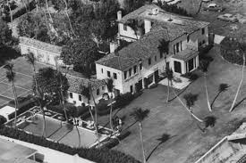 kennedy winter white house lists in palm beach for 38 5m curbed