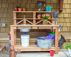 how to make a gardener u0027s potting bench how tos diy