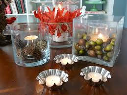 ideas for christmas centerpieces by white candles on the cylinder