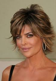 what is the texture of rinnas hair medium length layered haircuts lisa rinna with a short layered