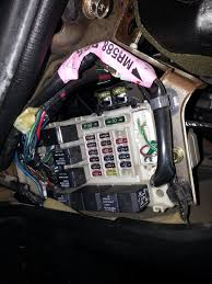 dodge strautus rt i need right fuse and relay diagrams