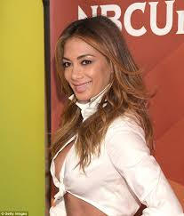 picture of nicole s hairstyle from days of our lives nicole scherzinger suffers wardrobe malfunction with waistband
