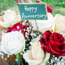 choose one of our anniversary roses names
