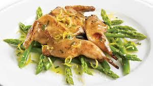 cuisiner des cailles facile cailles marinées sur nid d asperges recettes iga marinade