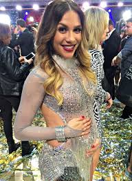 dancing with the stars u0027 allison holker got a chic short haircut