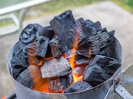 how to light charcoal how to light lump charcoal with easy and simple steps