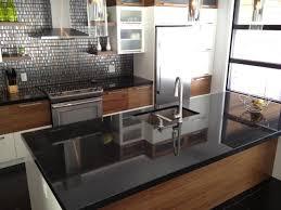 comptoir de cuisine noir granit noir cambrian national granit
