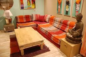 canapé style indien maisons du monde à herblay 2 500 m carrés de bonheur du goût et
