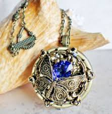 box lockets box locket plays to you with heart shaped locket in