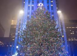 15 pretty photos of the christmas tree lighting at rockefeller