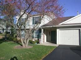 homes for sale in the oakwood hills subdivision elgin illinois