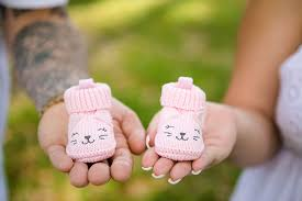 maternity photo props using props for maternity photoshoot jpg 1050 700 pregnancy