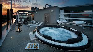 hotel con vasca idromassaggio in varcaturo hotel con idromassaggio sul tetto 5 proposte per un romantico