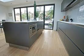 crédence en stratifié pour cuisine credence stratifie cuisine bel exemple de cuisine gris anthracite