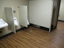 fresh vinyl wood flooring in bathroom 15964