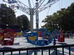 Six Flags Rides Ga World U0027s First Dc Super Friends Themed Area Debuts At Six Flags