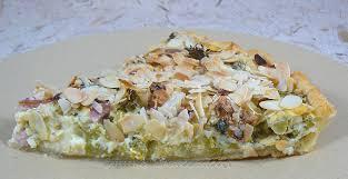 une cuisine pour voozenoo tarte brocolis lardons amandes et fourme d ambert une cuisine
