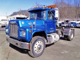 used mack trucks 1982 mack r model single axle day cab tractor for sale by arthur
