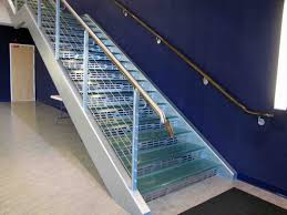 Stainless Steel Banister Rail Glass Tread Staircase With Stainless Steel Rail With Wire Guard