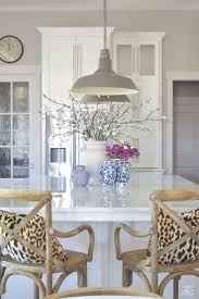 Pics Of Kitchen Islands Best 25 Kitchen Island Decor Ideas On Pinterest Kitchen Island