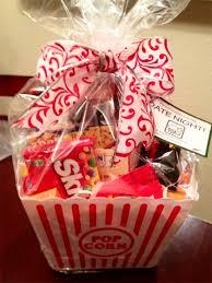Movie Themed Gift Basket The 25 Best Movie Basket Gift Ideas On Pinterest Diy Birthday