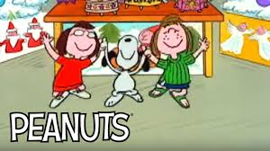 peanuts happy thanksgiving marcie u0026 peppermint patty dance with snoopy youtube