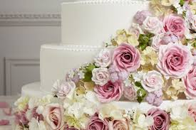 Wedding Cake Flower Sugar Flowers Or Real Flowers On Cakes Pretty Witty Cakes