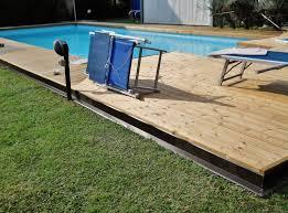 pedana legno pedana in legno termowood a bordo piscina provincia di mo
