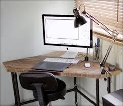 Corner Desk Table Diy Pallet Corner Desk And Pallet Table Pallets Designs