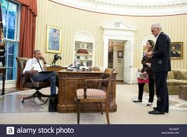 Oval Office Pics U S President Barack Obama Talks On The Phone From The Oval Office
