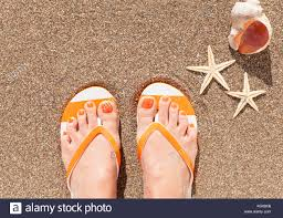 woman wearing flip flops stock photos u0026 woman wearing flip flops