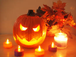 interesting pumpkins carving ideas with big smile halloween
