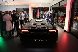 lamborghini dealership the motoring world brtitish dealership h r owen becomes the 1