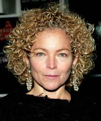curly short hairstyles for curly hair and heart shaped face